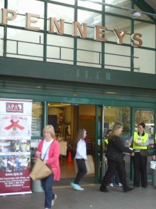 81 Shoppers at PENNEYS Carlow gave APA great support
